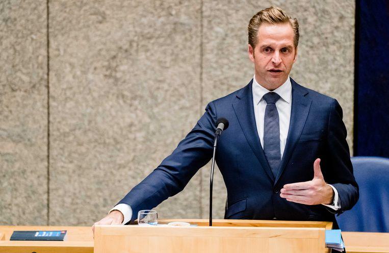 Bij een Kamerdebat op 8 april maakt minister Hugo de Jonge bekend dat er een 'nieuw verdeelmodel' voor beschermingsmiddelen in de zorg komt. Beeld ANP
