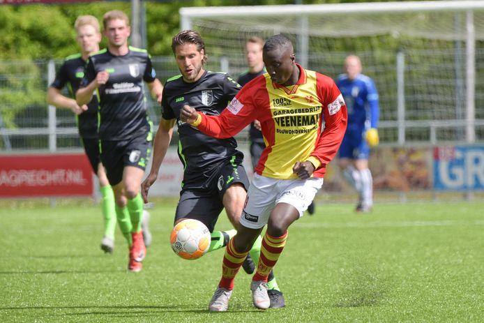 Omar Yakubu speelde vorig seizoen al een paar wedstrijden in het eerste van CSV Apeldoorn.