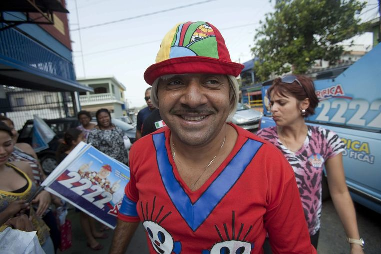 In Brazilië zit de clown Tiririca in het parlement. Beeld epa