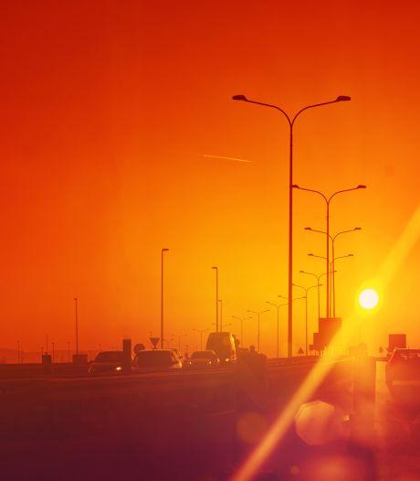Waarschuwing voor smog langs de kust