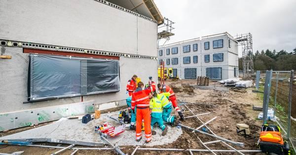 Bouwvakker overleden na ongeluk op bouwplaats in Eindhoven.