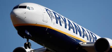 'Ryanair schoffeert zowel passagiers als personeel met sluiting basis Eindhoven'