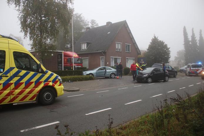 De aanrijding op de Vlijtseweg in Apeldoorn.