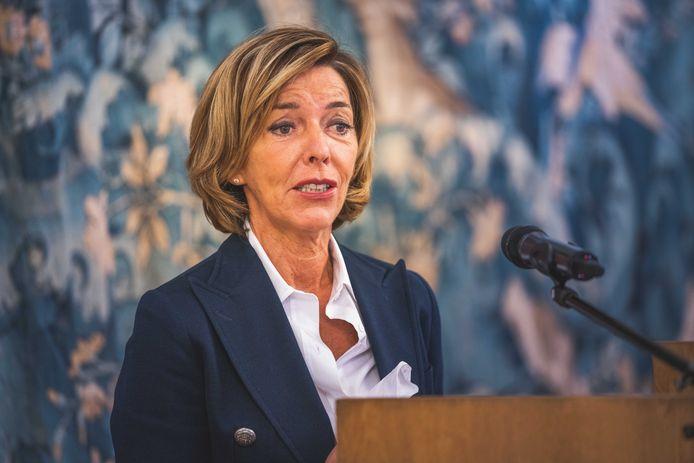 Carina Van Cauter overlegt momenteel met de Oost-Vlaamse burgemeester over een eventuele verstrenging van de coronamaatregelen.