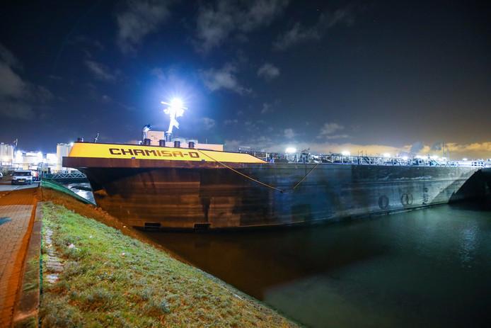 De Chamisa-D liep een flinke klap op na de aanvaring met de stuurloze tanker.