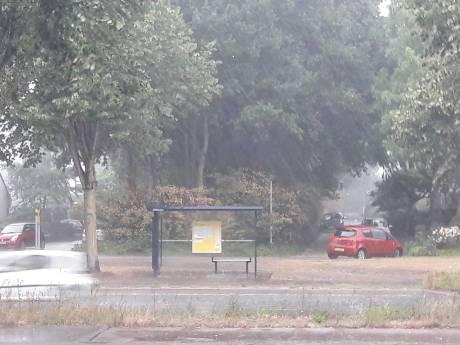 Noodweer trekt over Gelderland met hagel en windstoten