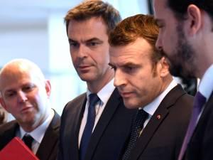 """""""Tiens bon, on les aura ces connards"""": le SMS """"très cash"""" d'Emmanuel Macron"""