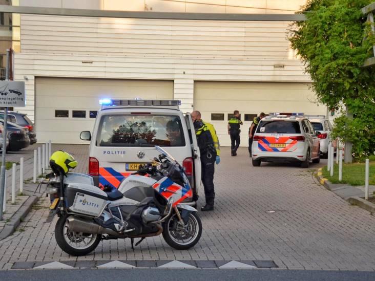 Twee mannen zorgen voor consternatie bij spoedeisende hulp in Bergen op Zoom, politie gebruikt pepperspray