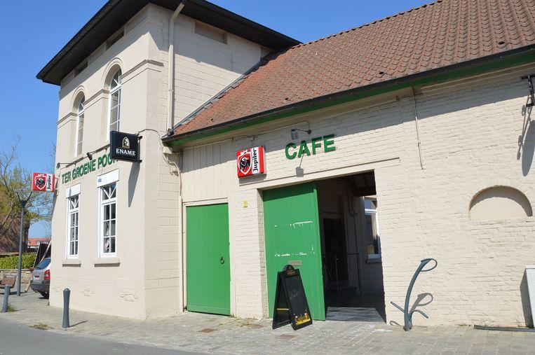 Het vernieuwde café Ter Groene Poorte in de Bruulstraat in Haaltert.