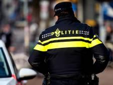 Vastgebonden man gevonden bij brandende auto in Amsterdam