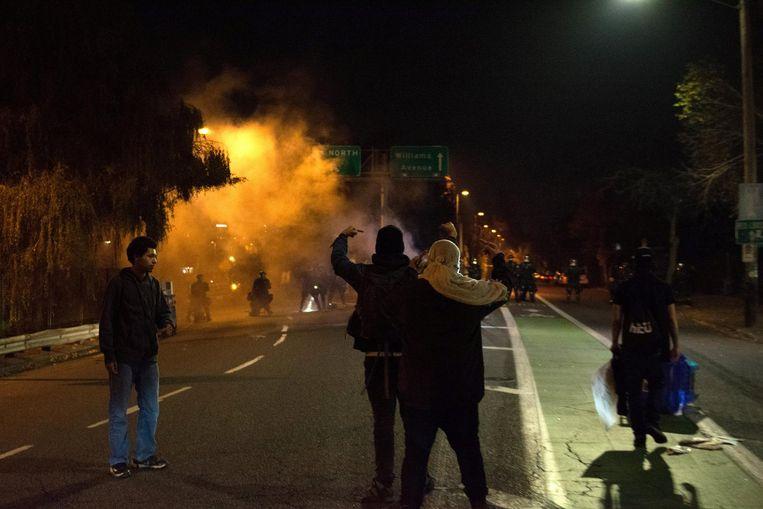Demonstranten op een snelwegoprit in Portland. Beeld reuters