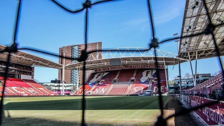 Een lege grasmat in Stadion Galgenwaard, de thuisbasis van FC Utrecht. Beeld Getty Images