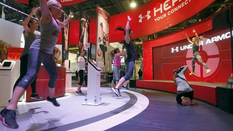 Sportkleding van de toekomst heeft een chip waarmee je bijhoudt hoeveel kilocalorie is verbrand tijdens het sporten