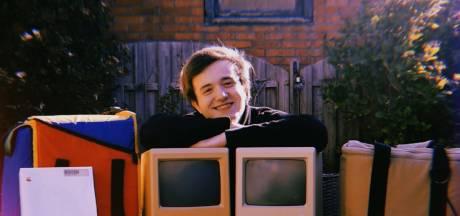 Nick (21) heeft na 4 jaar verzamelen 30 vierkante meter aan Apple-spullen