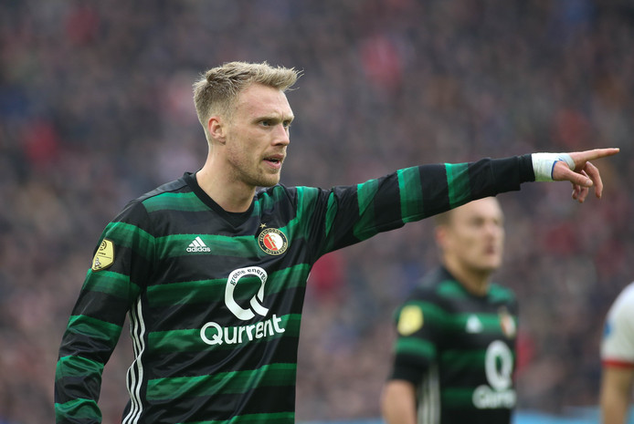 Nicolai Jorgensen kreeg zondag rood in de Klassieker tegen Ajax.