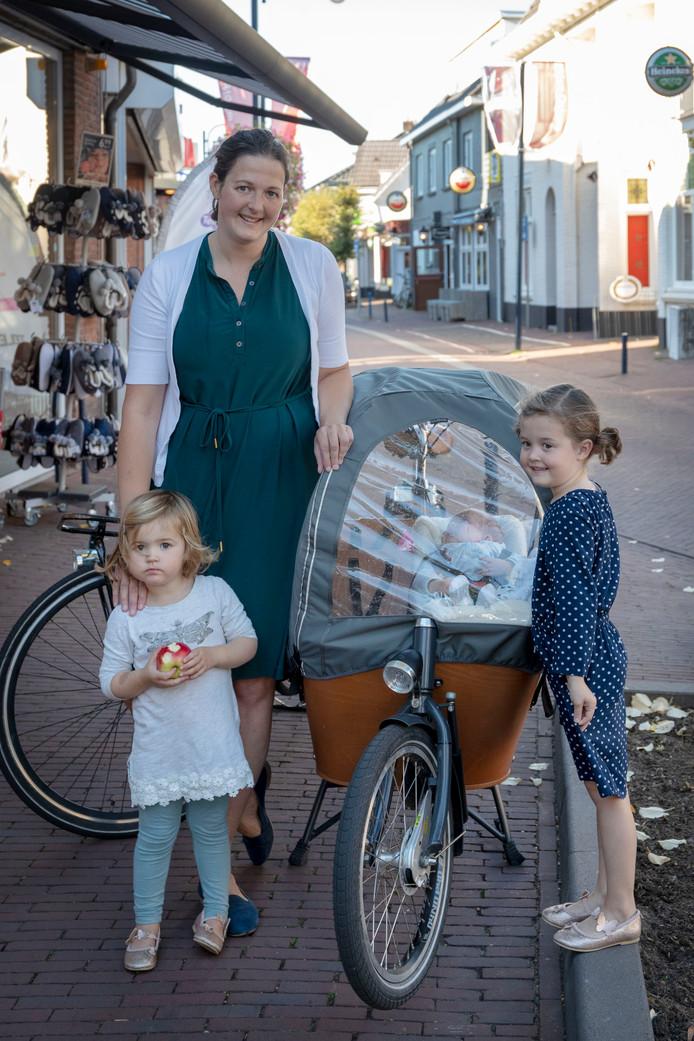 Annelies van Reenen met haar kinderen in Bennekom