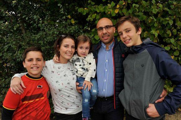 Matteo, mama Debbie met dochtertje Valentina, papa Alfredo en zoon Pietro.