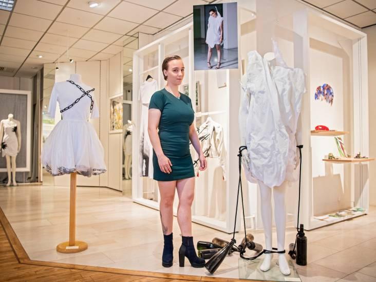 Kostuumontwerpster Chaja (27) uit Alphen verwerkte trauma's in zwart op wit
