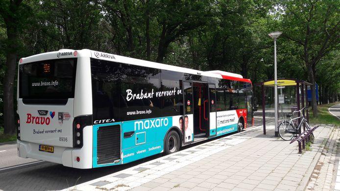 De bushalte nabij het ZuidWestHoek College in Ossendrecht is in beeld om te worden uitgebreid tot 'hub', een vervoerknooppunt waar je ook een taxi, leenfiets, deelauto of buurtbusje kan pakken.