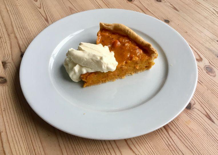 Amerikaanse pumpkin pie met slagroom.  Beeld Sake Slootweg