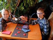 Birthe (11) en Lugiano (12) vieren Valentijnsdag bij Frankies Bistro: 'Al 10 keer gezoend'