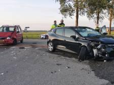 Auto's total loss door botsing op kruising in Buurmalsen