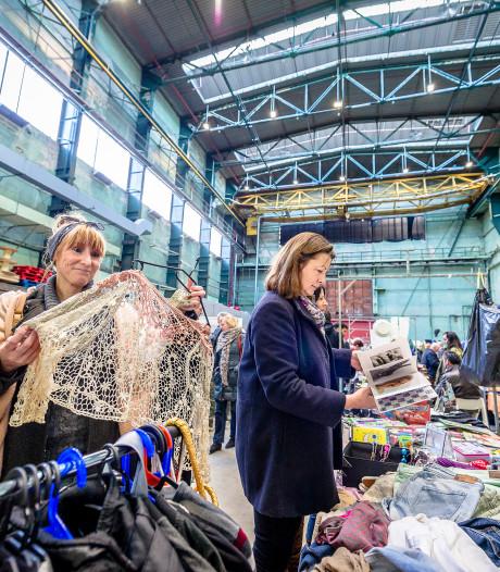 Struinen naar verborgen parels bij vlooienmarkt Onderzeebootloods