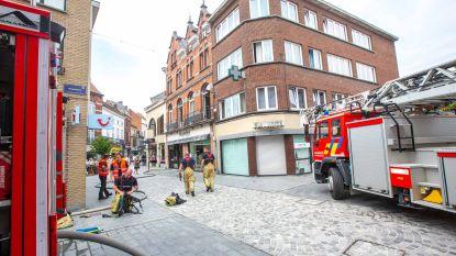 """Deskundige over brand Basiliekstraat: """"Vuur werd aangestoken"""""""