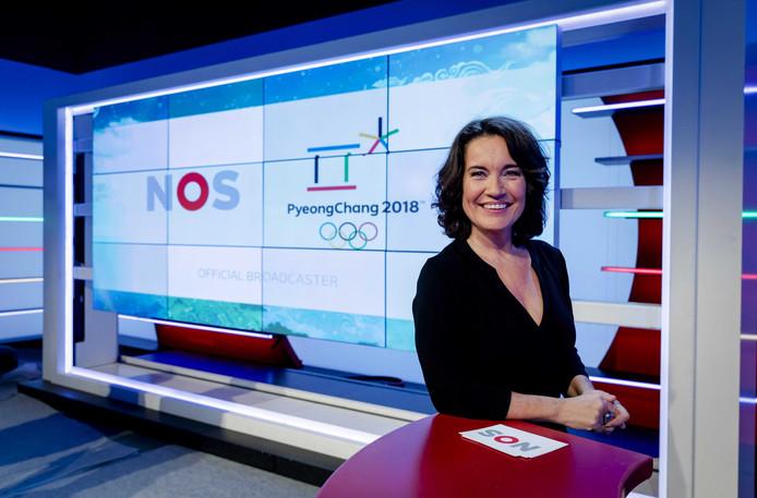 Presentator Dione de Graaff van de NOS.
