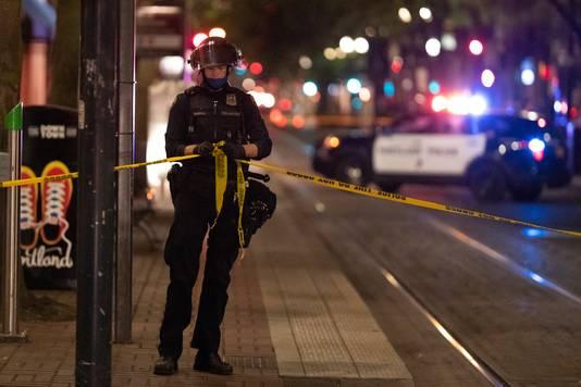 Een agent in Portland spant een lint na de fatale schietpartij.