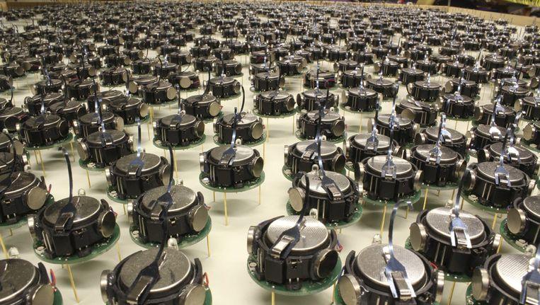 Op nummer 2 volgens Science: Robotjes die in grote zwermen patronen kunnen vormen, die niet altijd vooraf zijn opgelegd. Beeld reuters