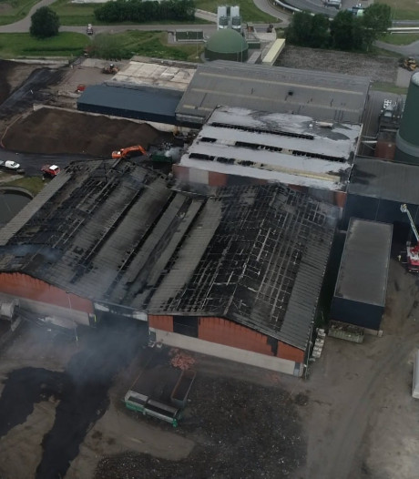 Dronebeelden: zo ligt Twence er na de grote brand bij