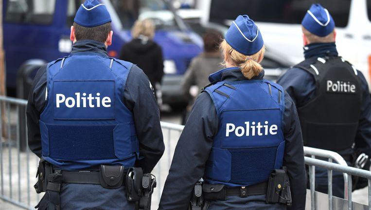 Politie aan het justitiepaleis van Tongeren (archiefoto).
