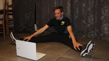 Zumbaleraar Steve De Bie zorgt elke avond voor een Zumba Live vanuit zijn woonkamer
