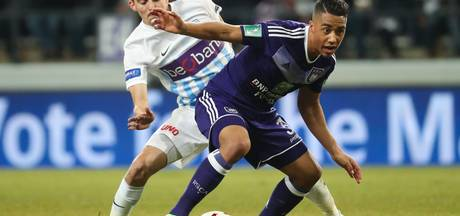 Anderlecht na overwinning op Genk weer naast Club Brugge