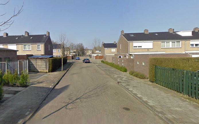 Gisteravond werd het meisje ter hoogte van de Maastrichtstraat in Weert in een witte auto getrokken en meegenomen.