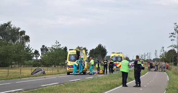 Man uit Ulft zwaargewond door ernstig ongeluk in Varsselder, weg urenlang dicht.