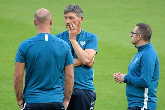 Felice Mazzu in Salzburg in overleg met zijn technische staf.