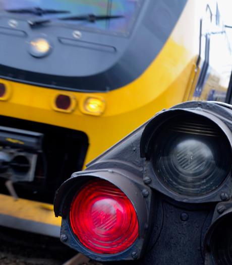 Treinen tussen Eindhoven en Venlo komen weer op gang na aanrijding persoon