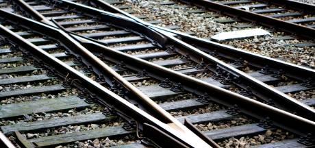 Geen treinen tussen Raalte en Nijverdal na aanrijding op het spoor