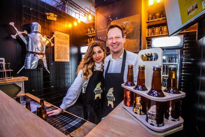 Brouwer Stéphane Kolijn en echtgenote Mirela op het Brugse Bierfestival in februari. Toen heette het bier nog Brugse Beer, nu is dat Beer van Brugge.