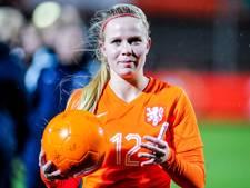 Kika van Es vervolgt carrière bij FC Twente
