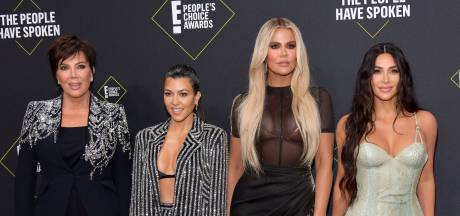 Kardashians onder vuur na voedselgevecht: 'Mensen sterven van de honger'