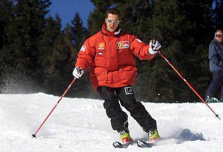 Archiefbeeld uit 2000: Michael Schumacher op de skipiste.