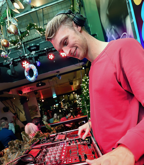 Roosendaals dj talent Jurre Kluin krijgt energie van een topavondje draaien