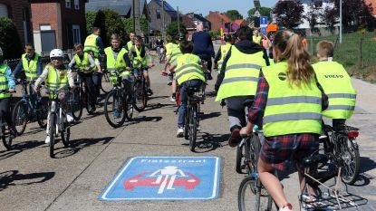 Fietsstraat aan álle scholen in Lille (ten laatste tegen september)