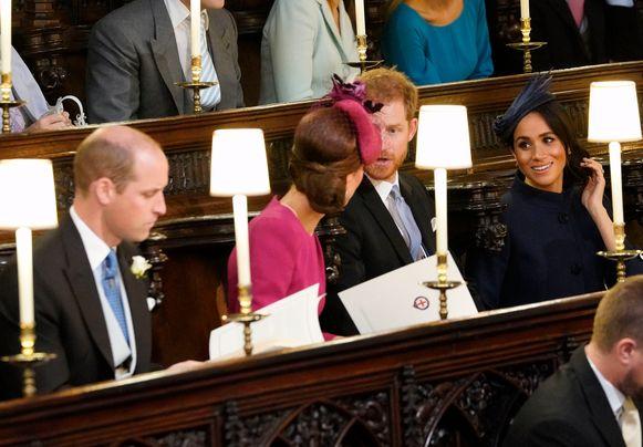William en Harry met hun echtgenotes.