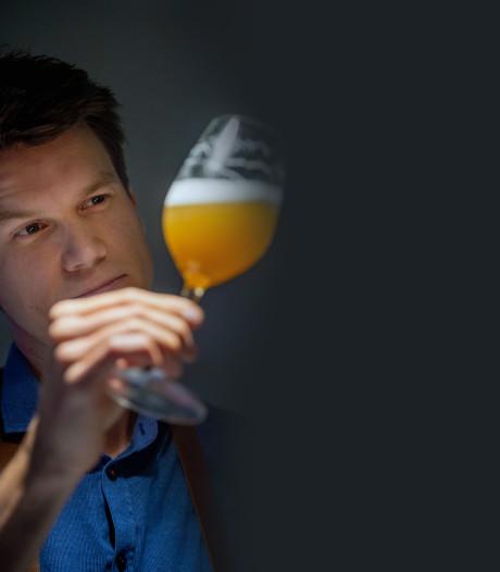 Hubert (32) begon met 'pilsjes hakken' en drinkt nu bier voor zijn werk