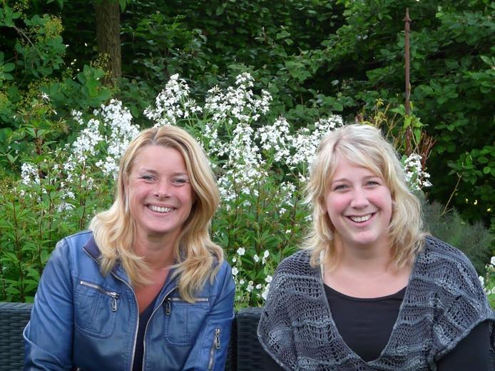 Ilse Kerkmeijer en Miranda Nijveld zijn de docenten van de bloemschikcursussen van Groei & Bloei.
