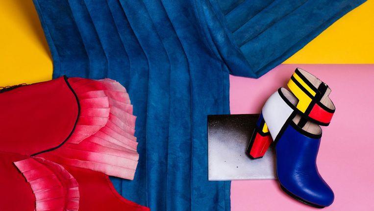 Ontwerpers Judith van Vliet en Amber Ambrose Aurèle verkennen de grenzen van mode en kunst tijdens hun gezamenlijke catwalkshow (vrijdag, Westergasfabriek) Beeld Melissa Houben